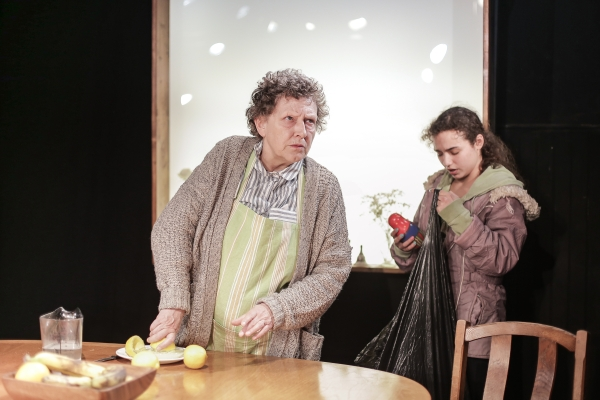 Russian Dolls at King's Head Theatre, Stephanie Fayerman and Mollie Lambert_1 © Andreas Grieger